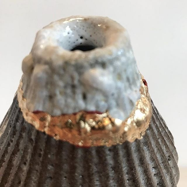 Detail of Bud vase #ceramic #stoneware #gold @acrstudio